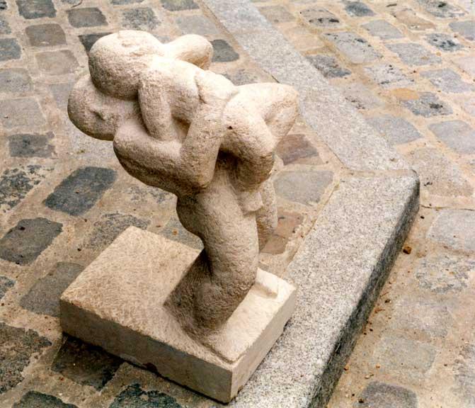 Deux enfants, pierre de Massengis